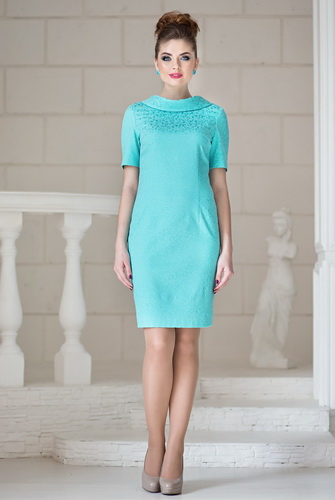 77d52d187719 Αυτό είναι ένα κομψό φόρεμα μανδύα του οποίου το μήκος φτάνει ή είναι κάτω  από το γόνατο. Αυτή είναι μια θαυμάσια επιλογή για τις γυναίκες που θέλουν  να ...