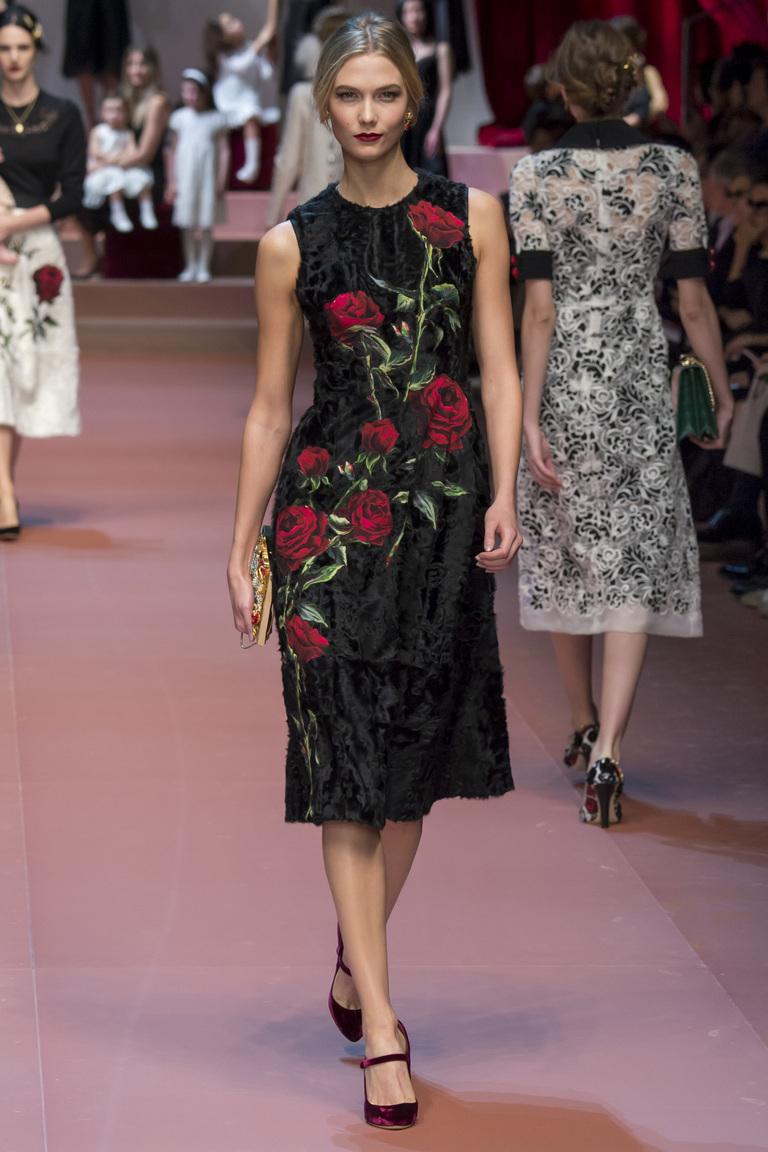 4cb68948a89 Модне плаття 2016 з розкішними квітами - фото колекції Dolce   Gabbana
