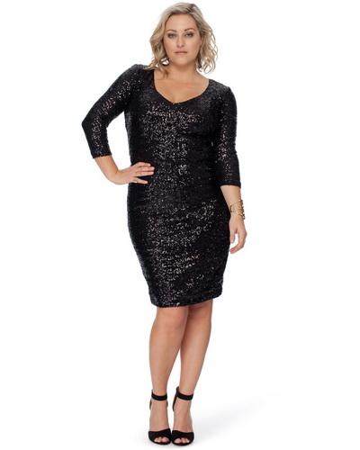 4ec500150535 Αυστηρό μαύρο φόρεμα για το πλήρες. Φορέματα για παχύσαρκες γυναίκες ...