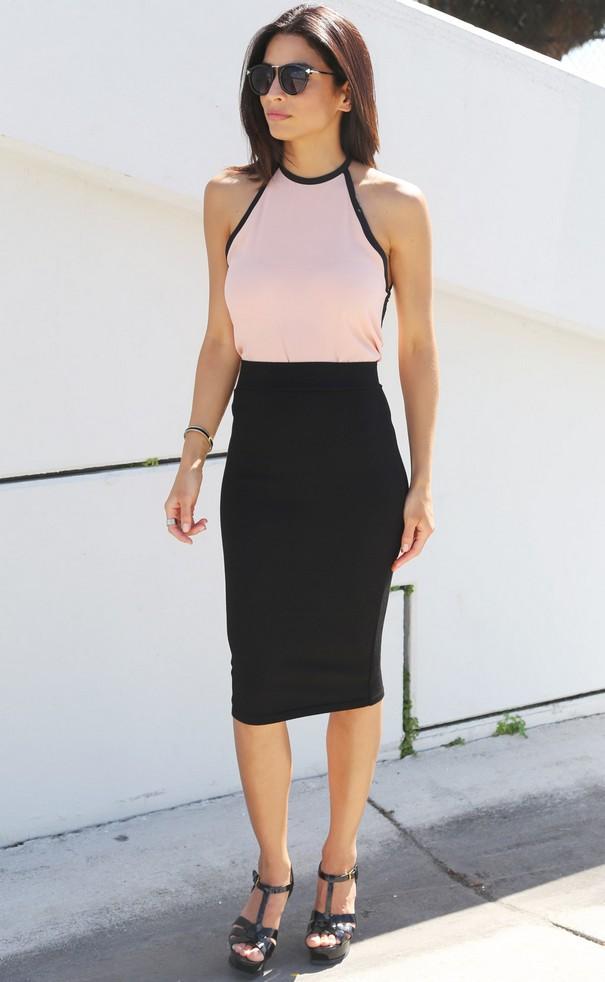 Η φούστα του Tulip είναι καλύτερο να φορέσει με μια σφικτή μαντίλα και  μπλούζα. Η φούστα του ήλιου πηγαίνει καλά με τις κορυφές 5651fc3c99e