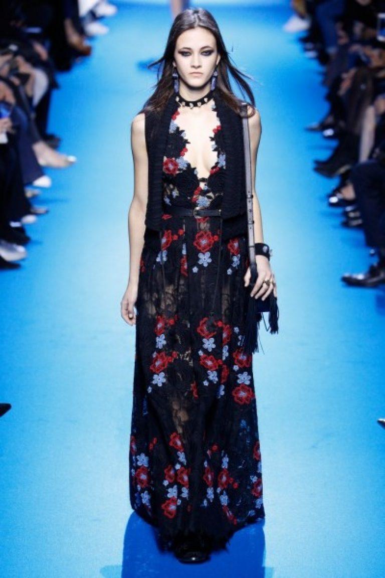 0510c39471ca Ακόμα περισσότερες εικόνες από όμορφα φορέματα με floral εκτύπωση έχουν  προετοιμαστεί για σας