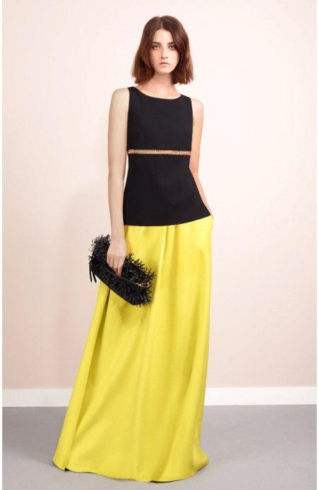 39e5923cae02 Κίτρινο μοντέλα φόρεμα βράδυ είναι ευέλικτο. Κάποια από αυτά θα φαίνονται  εξίσου καλά για μια γιορτή και για να πάτε στο γραφείο.