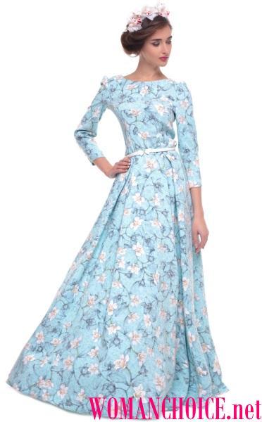 627711d0ec9d Στην ποιότητα casual ενδυμασία θα είναι τέλεια λευκό και μπλε φόρεμα με  floral μοτίβα. Μην νομίζετε ότι το floral print φαίνεται παράξενο ή λίγο ...