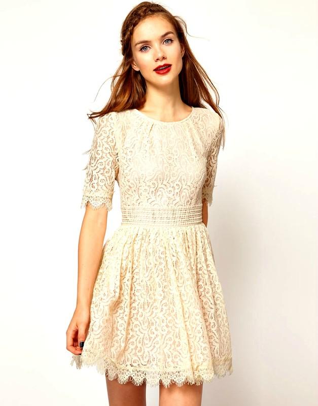 2ccca4a56 يتم ارتداء فساتين قصيرة من الدانتيل الأبيض في المدينة وعلى الشاطئ ، بينما  تبدو فساتين الدانتيل البيضاء الطويلة مبهرة في ليلة صيفية.