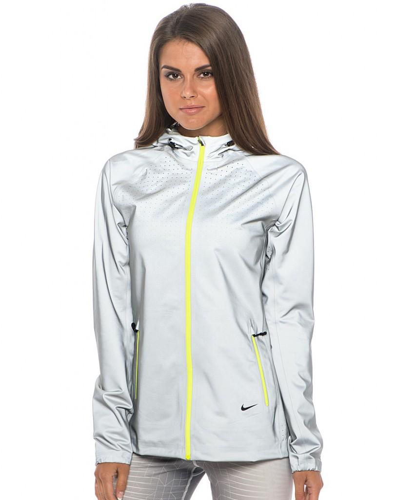 Головний акцент на зручність і комфортність одягу при одночасному захисті  від негоди. Модним вважається поєднання в одному виробі різних фактур  тканини і ... 474daadf5a0db