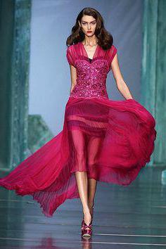 Прості довгі сукні до підлоги. Ексклюзивне рішення для довгої сукні ... 2dd2b6adef046