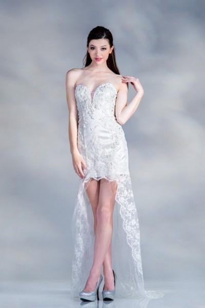 Κάθε γυναίκα που φορούσε αυτό το φόρεμα θα αισθανθεί την ομορφιά της και το  τέλειο στυλ. Ακόμη περισσότερο στολή για πάρτι αποφοίτησης μπορείτε να  βρείτε ... af8e5d330b8