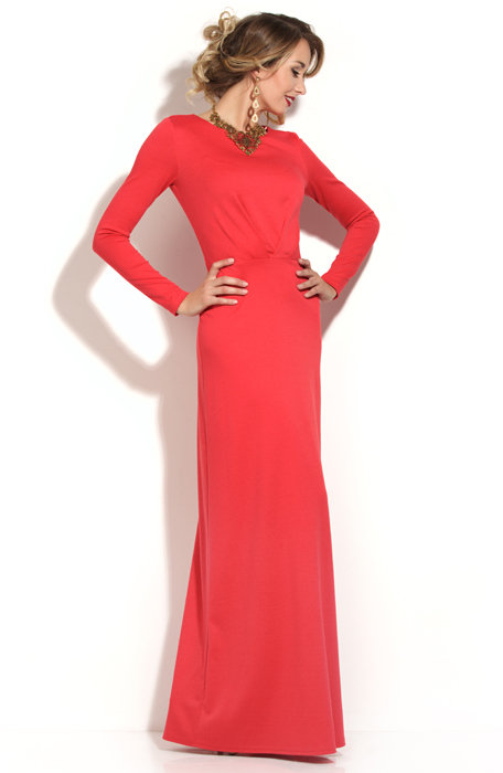 Korálové šaty s béžovým opaskem. Korálové šaty na podlahu. 08c50febebe
