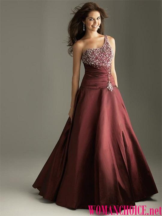 Ποιο χρώμα μαλλιών είναι κατάλληλο για μπορντό φόρεμα. Τι αξεσουάρ ... 8c1c85841dd