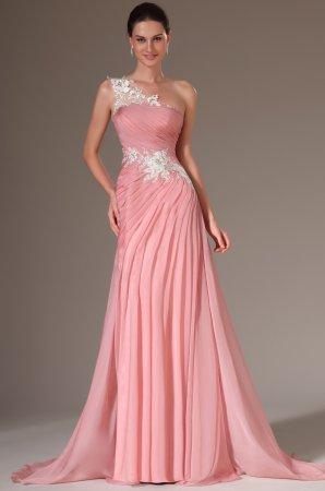 Вечірня сукня у грецькому стилі досить просте і відрізняється наявністю  складок і драпіровок. А ось вже як вони будуть розташовані 04fc4391f1290