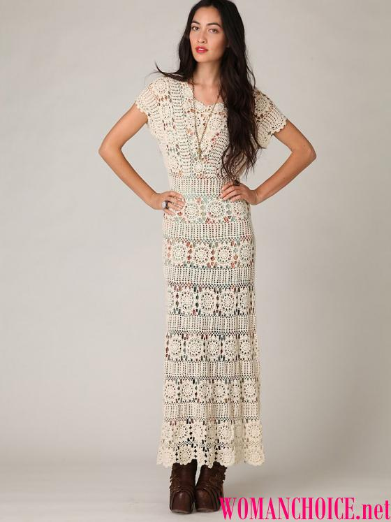72c137735624 Τα μανίκια σε μακριά πλεκτά φορέματα μπορεί να είναι τα πιο διαφορετικά.  Για κορίτσια που προτιμούν ένα συνδυασμό μακρύ μανίκια με maxi μήκος είναι  τυχερός