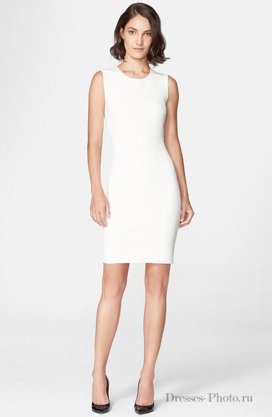 64888437aa2963 Класичне плаття-футляр це приталені плаття довжини до коліна без рукавів і  овальної горловиною. Характерною особливістю сукні-футляра є його  цельнокройним, ...